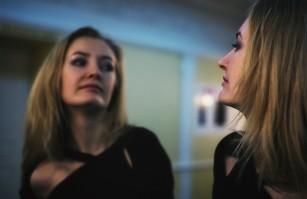 Îți controlezi mai ușor emoțiile dacă vorbești cu tine la persoana a treia