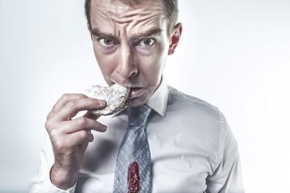 STUDIU: Excesul de zahăr din dietă și depresia la bărbați
