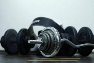Antiinflamatoarele administrate pe termen lung pot încetini dezvoltarea musculaturii la tineri