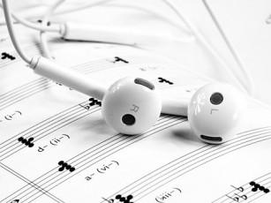 Muzica veselă te poate face mai creativ