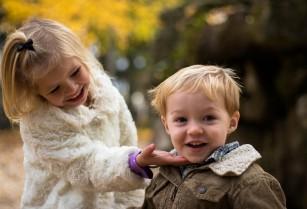 Copiii lăudați ca fiind deștepți sunt mai predipuși să trișeze