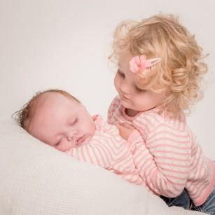 Bebelușii cu un frate sau o soră mai mare au un risc crescut de gripă