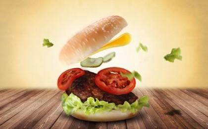 Iată ce probleme de sănătate poți avea dacă mănânci prea repede (Studiu)