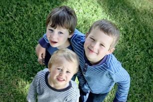 Nou studiu confirmă asocierea între existența fraților mai mari și homosexualitate