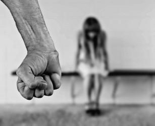 Copiii supuși abuzului sunt mai predispuși la boli cardiovasculare în viața adultă