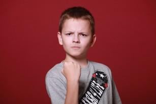 Agresivitatea la copii are origine genetică, dar este influențată de mediu