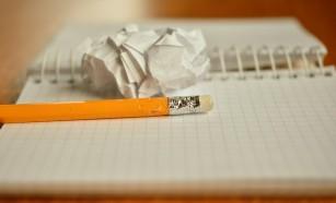 Adormi mai repede dacă scrii o listă cu lucrurile de făcut pentru a doua zi