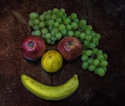 Cum te poate face autoironia să te simți mai fericit