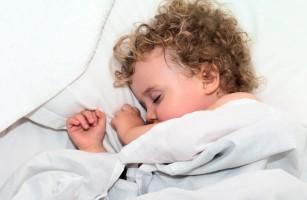 De ce este importantă ora de culcare pentru copii