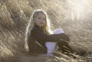 Fetele care intră mai devreme în pubertate au risc mai mare de depresie la maturitate