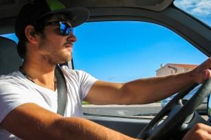 Cum îți poți îmbunătăți aptitudinile de șofer?