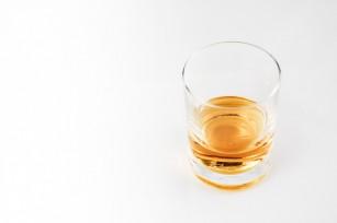 Consumul excesiv de alcool ar putea crește riscul de demențe precoce