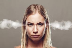 Fumatul crește riscul de pierdere a auzului