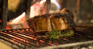 Asocierea dintre carnea gătită la grătar cu foc deschis și hipertensiunea arterială