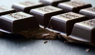 Ciocolata neagră ar putea îmbunătăți vederea