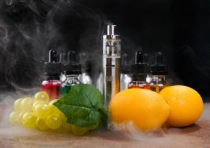 Toxinele produse de țigaretele electronice variază în funcție de arome