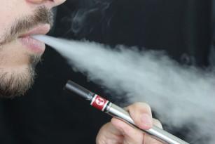 Cantități mai mari de formaldehidă în țigările electronice!