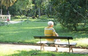 Un mod de comunicare tipic pentru pacienţii diagnosticaţi cu boala Alzheimer