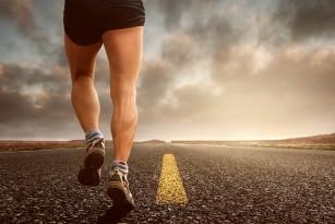 Alimentația, hidratarea și suplimentele energetice pentru alergarea de lungă durată