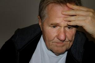 Ridurile adânci de pe frunte pot indica prezența bolilor cardiovasculare