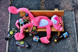 Ce se întâmplă în corpul tău când exagerezi cu alcoolul?