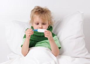 Experții avertizează asupra folosirii decongestionantelor nazale la copiii mici