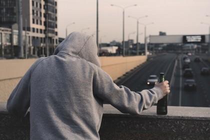 Ești dependent de alcool? Cum să-ți pui diagnosticul