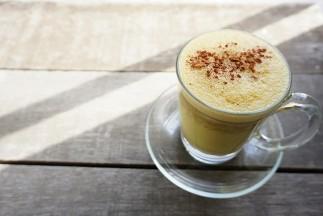 Laptele auriu (Golden Milk) - ce este și ce beneficii sunt susținute științific?