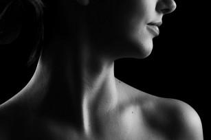 Semne că ai putea avea probleme cu tiroida