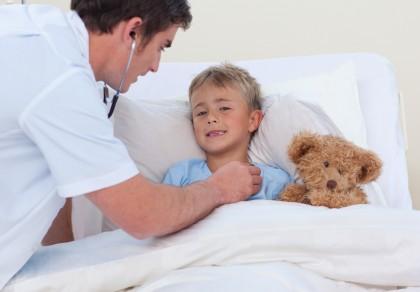 Semne de meningită la copil - cum le recunoști și ce să faci?