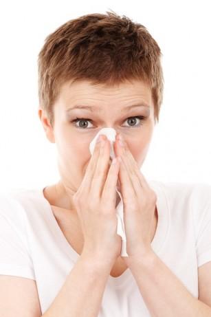 De ce îți curge nasul des (și nu ești răcit) - și sfaturi pentru mucoși
