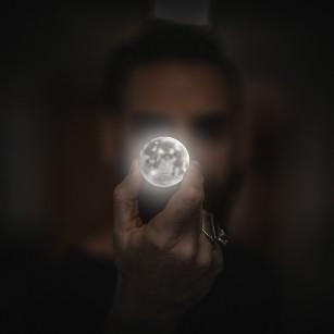 Ne influențează luna sănătatea în vreun fel? Dovezi științifice