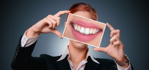 Dinți galbeni - cauze și sfaturi utile