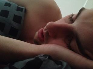 Studiu: apneea în somn ar putea cauza pierderi de memorie