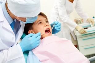Dinți galbeni la copil - cauze și recomandări