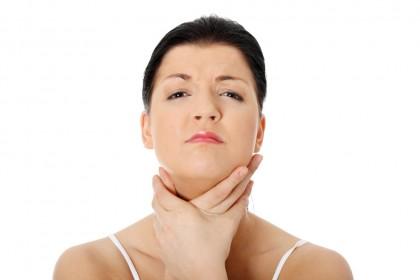 Cum tratezi durerea în gât (ce să faci și ce nu)