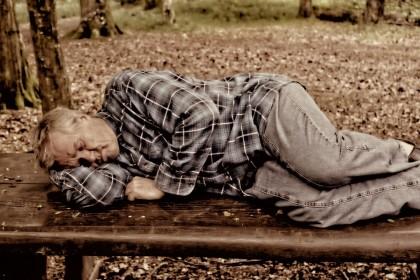 Boala Alzheimer: somnul excesiv din timpul zilei, posibil simptom timpuriu al bolii