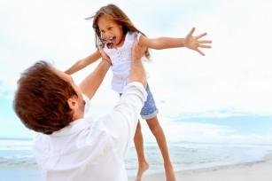 Ce probleme de sănătate pot apărea la micuți în vacanță (și cum le recunoști și tratezi)