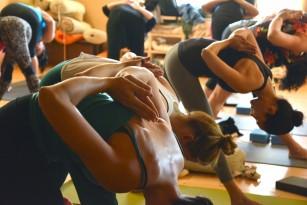 Bikram yoga poate scădea tensiunea arterială