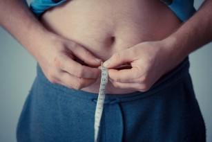 Obezitatea înainte de 40 de ani crește riscul de apariție a cancerului
