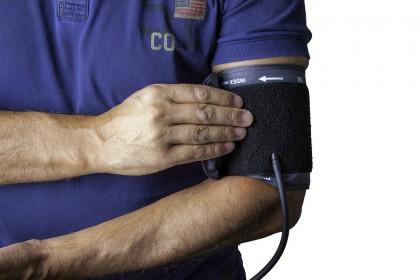 Monitorizarea tensiunii arteriale pe 24 ore este cel mai bun predictor de boală cardio-vasculară