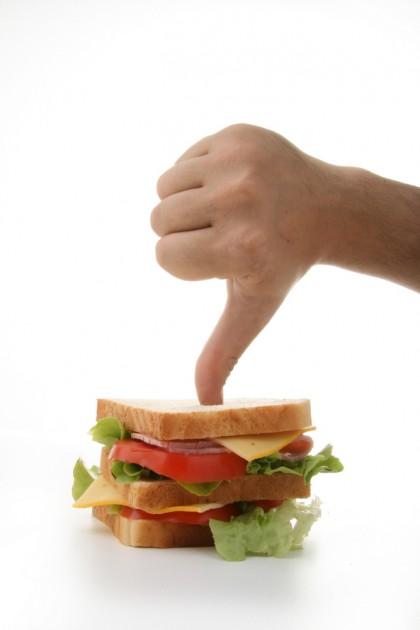 Reducerea aportului alimentar ar putea prelungi viața dacă adopți acest obicei din tinerețe