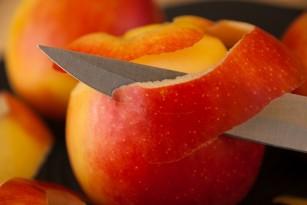 Este coaja fructelor toxică? Ce fructe ar trebui decojite
