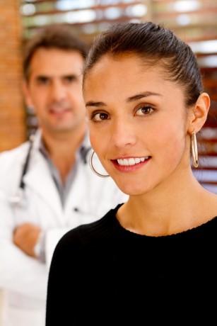Diferența între sarcină și sindromul premenstrual