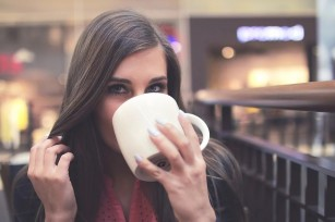 Cafea vs ceai verde sau negru - ce să alegem?