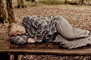 Somnolența diurnă la bătrâni poate crește riscul de diabet, cancer sau hipertensiune arterială