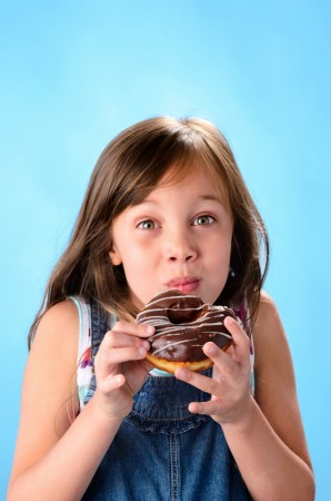 Pandemia COVID-19 ar putea crește obezitatea la copii