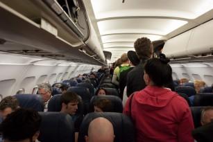 Care este riscul de transmitere a virusurilor în avion?
