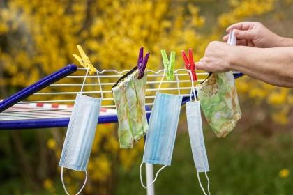În ce condiții putem reutiliza măștile (tipuri de măști și sterilizarea acasă)