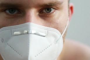 Cea mai potrivită metodă de dezinfecatre a măștilor N95 (studiu)